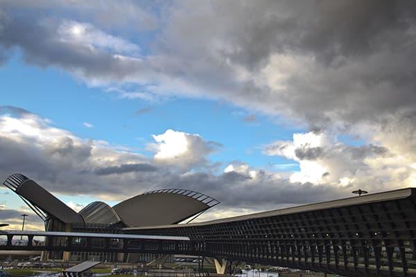 Prendre une navette VTC entre Lyon et son aéroport